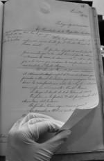 Archivo-Nacional.-Libro-de-cartas.-Intendecia-de-Arauco.-Guantes-de-Látex